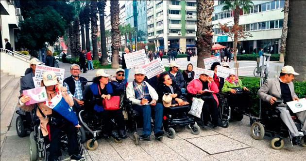 Eğitimli protesto