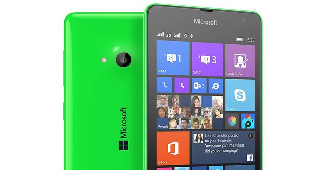 Microsoft, beklenen telefonunu duyurdu!