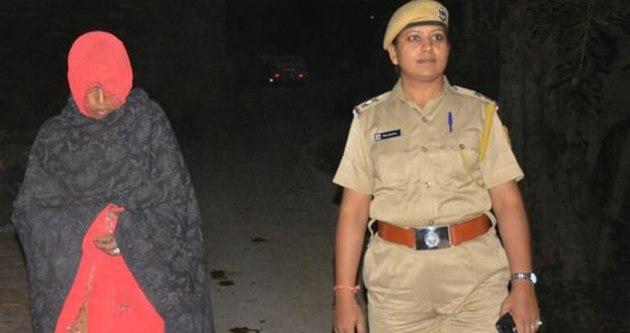 Hintli kadına akıl almaz ceza