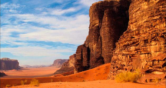 Kızıla boyalı çöl: Wadi Rum