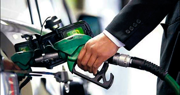 Petrol dört yılın dibinde