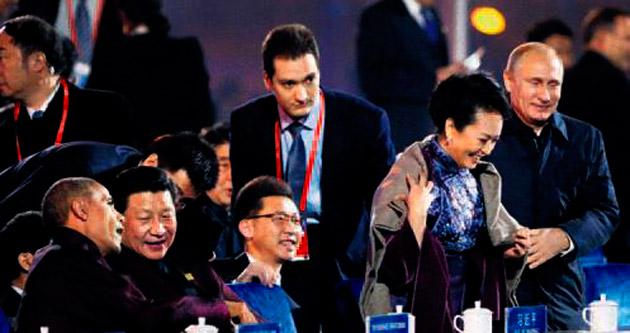 Centilmen Putin Çin'de sansür yedi