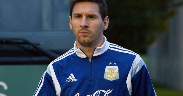 Messi'nin mevkisi değişiyor