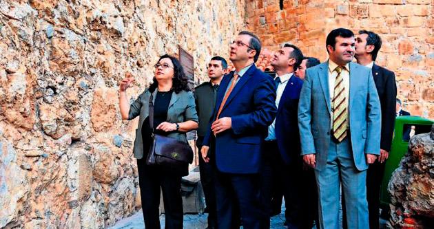 Türker, Alanya'yı 25 yıl sonra vali unvanıyla ziyaret etti