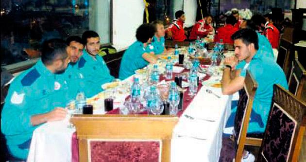 Adliyespor'dan dostluk yemeği