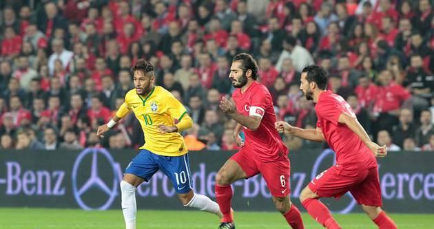 Yazarlar Türkiye - Brezilya maçını yorumladı