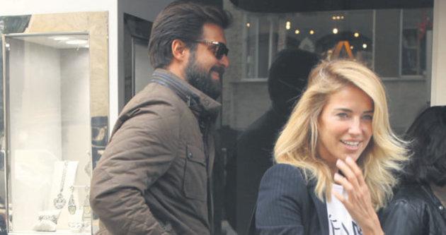 Burcu Esmersoy ile Başak Savur nişanlanıyor