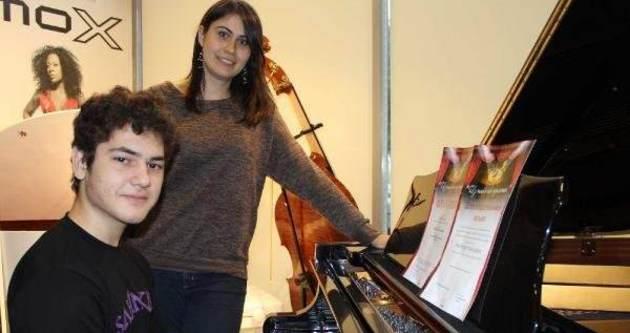 Suriyeli, piyano dehası çıktı