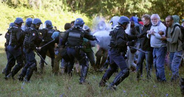Fransız polisine gaz yasağı