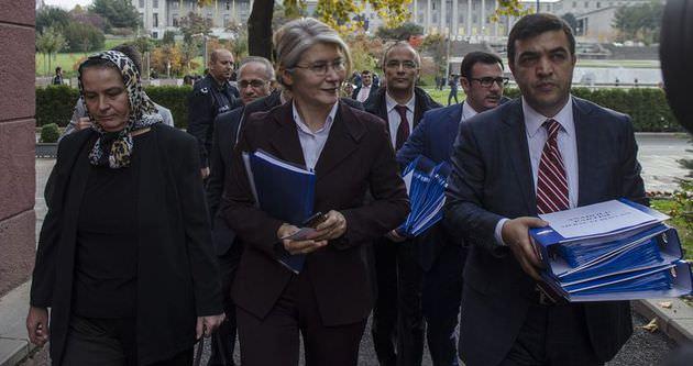 Emine Ülker Tarhan Anadolu Partisi'ni kurdu
