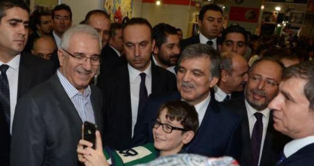 Abdullah Gül TÜYAP İstanbul Kitap Fuarı'nı gezdi