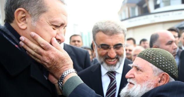 Şehit babasından Cumhurbaşkanı Erdoğan'a sevgi gösterisi