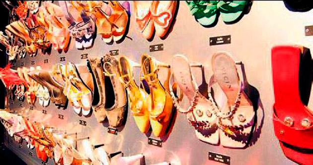 Sosyetenin ayakkabıları Contemporary'de