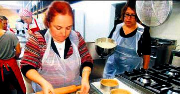 Engelli ailelerine pastacılık eğitimi