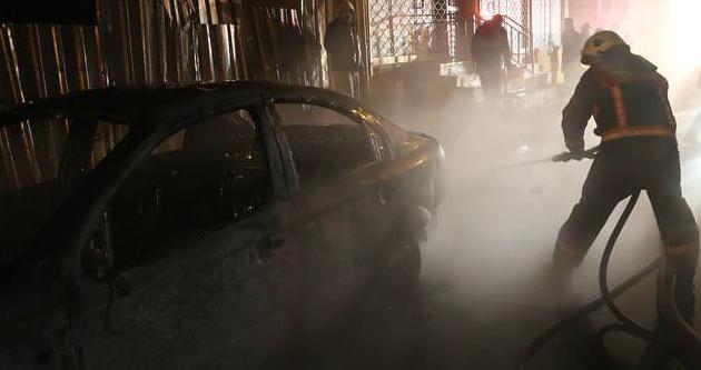 İstanbul'da 20 araç kundaklandı
