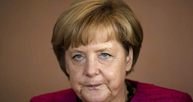 Angela Merkel özür diledi