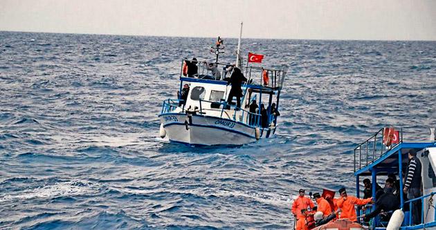 47 göçmen ölümden son anda kurtarıldı