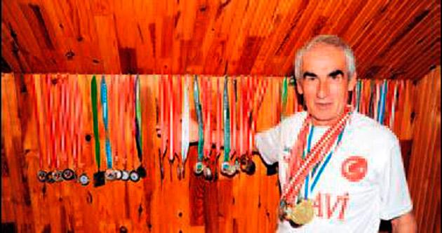 Tasarruf için atlet oldu 200 madalya kazandı