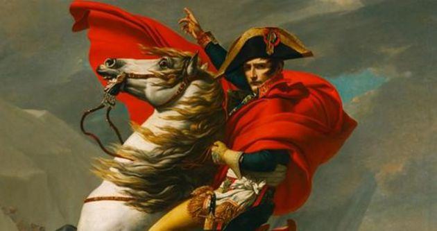 Napolyon'un şapkası 1,8 milyon avroya satıldı