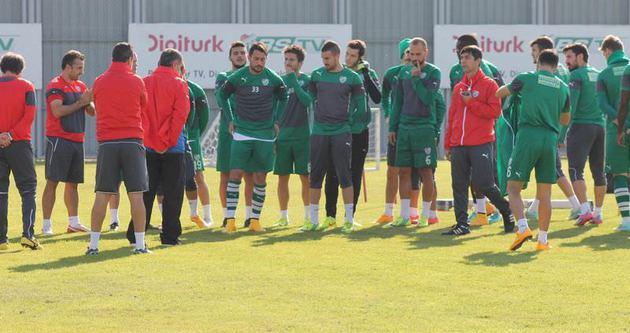 Bursaspor'un kapısı antrenmana açıldı