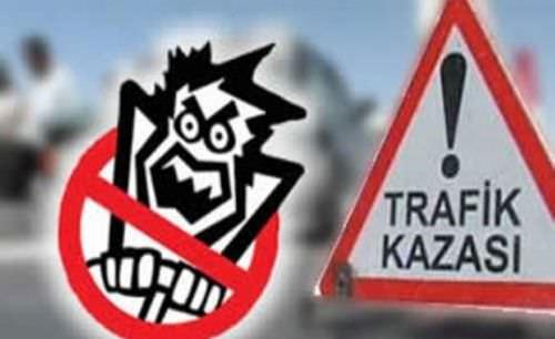 İzmir'de trafik kazası: 2 ölü 4 yaralı