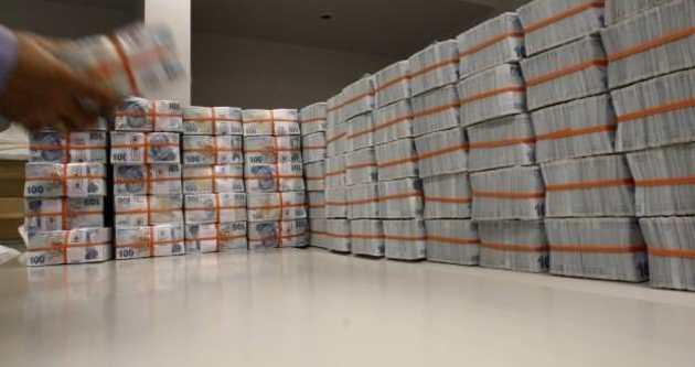 Hazine tahvil ihalesinde 3,3 milyar lira borçlandı