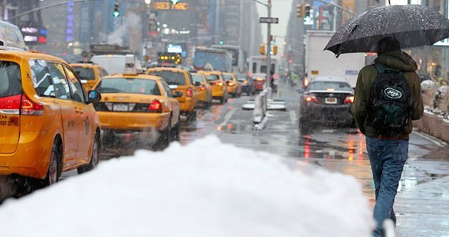 ABD'de şiddetli kar can alıyor