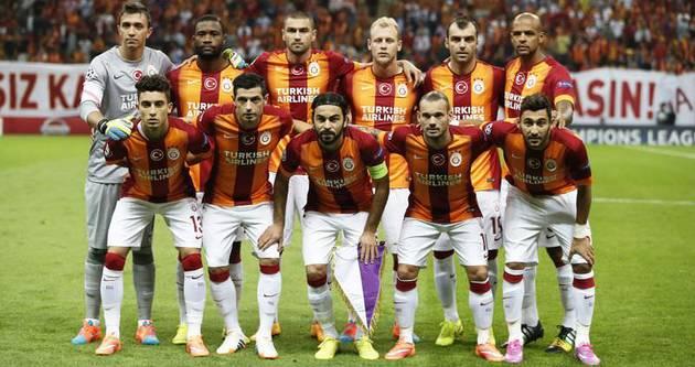 Galatasaray'ın yıldızından sürpriz imza!