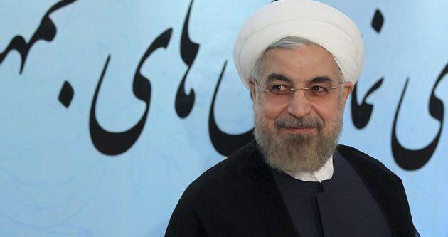 Ruhani: ABD, aşırı isteklerden vazgeçmeli