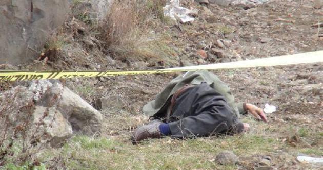 Kars'ta bir kişi donarak can verdi