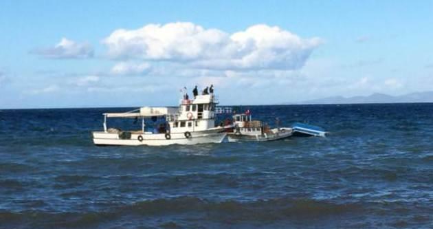 İzmir'de balıkçı teknesi battı