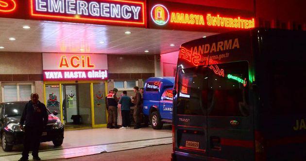 Askeri araç ile minibüs çarpıştı: 10 yaralı