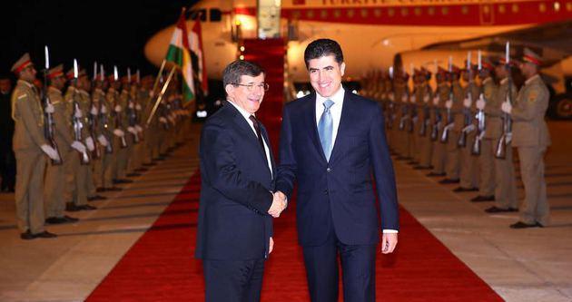 Davutoğlu'na Barzani'den sıcak karşılama