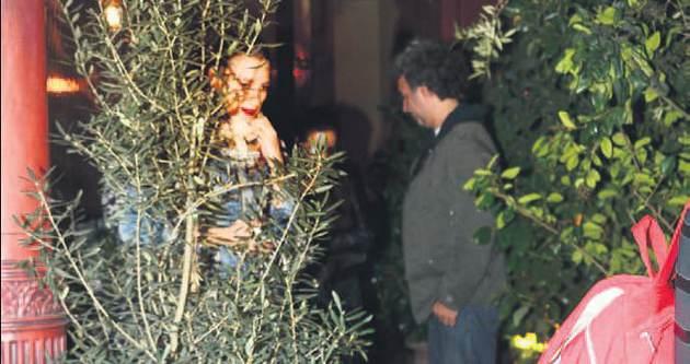 Seranay Sarıkaya ağaç olup gizlendi