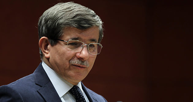 Davutoğlu, AFAD kampında