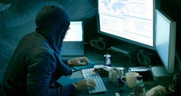 Burs alabilmek için okulunu hackledi ama...