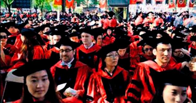 Öğrencileri Harvard'ı mahkemeye verdi