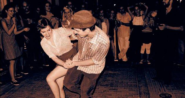 Yunanlar dansla stres atıyor