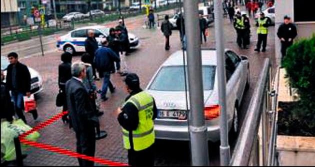 Müdürün makam otomobiline 'Şeritli' koruma