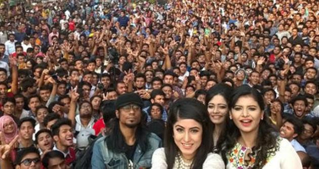 İşte bu da en kalabalık selfie