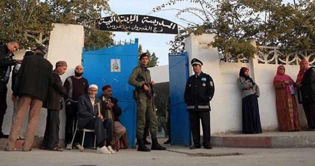 Tunus yeni cumhurbaşkanını seçiyor