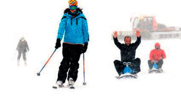 Erciyes'te 1 metre kar coşkusu var