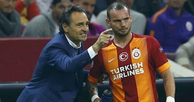 Prandelli Sneijder'den intikam aldı