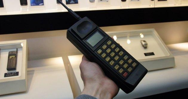 Samsung'un ilk telefonlarını görmüş müydünüz?