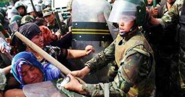 300 Uygur Türkü kurşuna dizilebilir