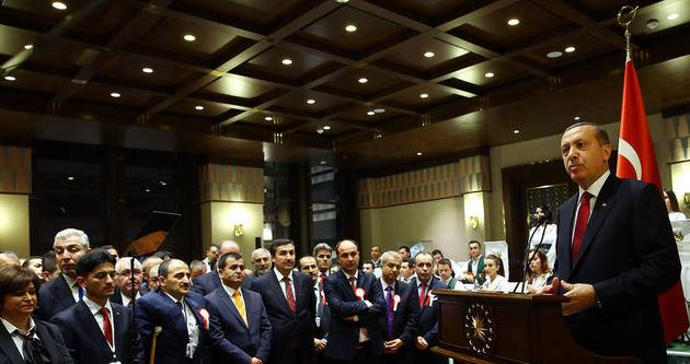 Erdoğan: Öğretmenler medeniyetin asli unsurudur