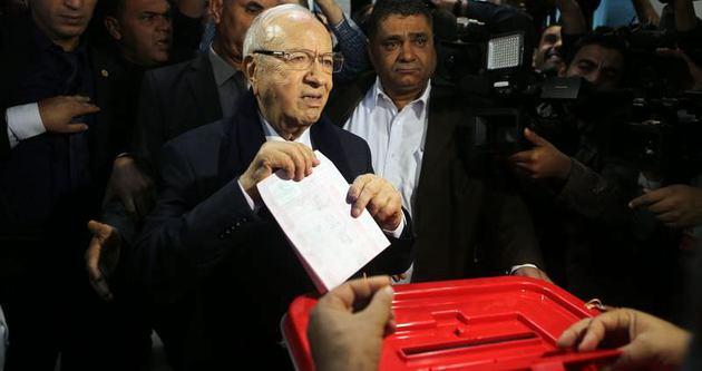 Tunus'ta sandıkların yüzde 95'i açıldı