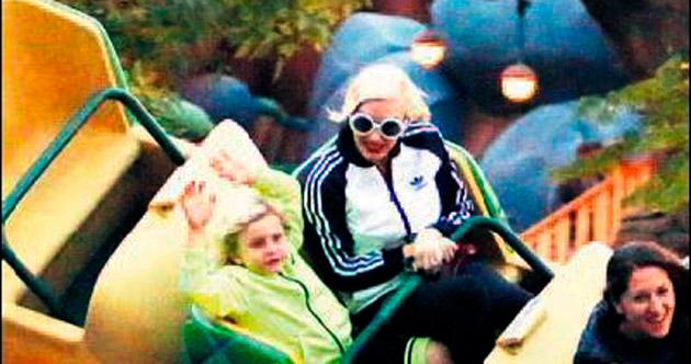 Disneyland'de eğlence zamanı