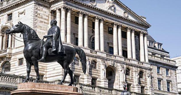 İngiltere'den 'Sınırlı ve kademeli' faiz arttırımı