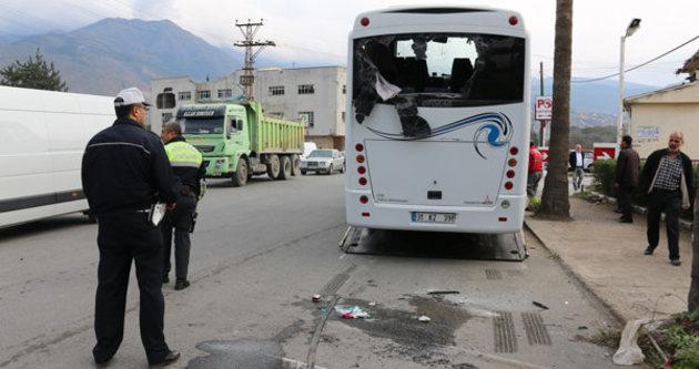 Hatay'da çevik kuvvet otobüsü kaza yaptı